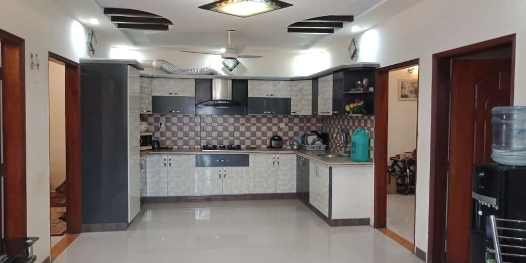 5 MARAL BEAUTIFUL HOUSE WITH 4 BEDROOMS FOR SALE NEAR SHOUKAT KHANUM HOSPITAL AND UCP