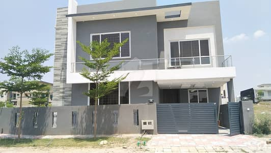10 MARLA MODERN HOUSE FOR SALE NEAR SPORTS COMPLEX